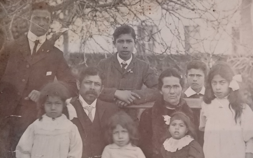 This photograph of the September family, my ancestors, was taken in Park Road, Wynberg on 6 August, 1910